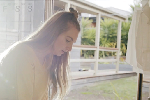 We talk morning routines, conscious businesses, and vulnerability with Elle Evans.